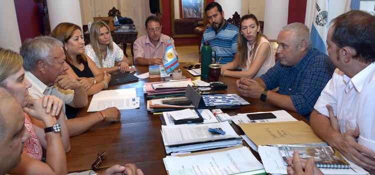 UTHGRA acuerda convenios sobre educación con la Municipalidad de Corrientes