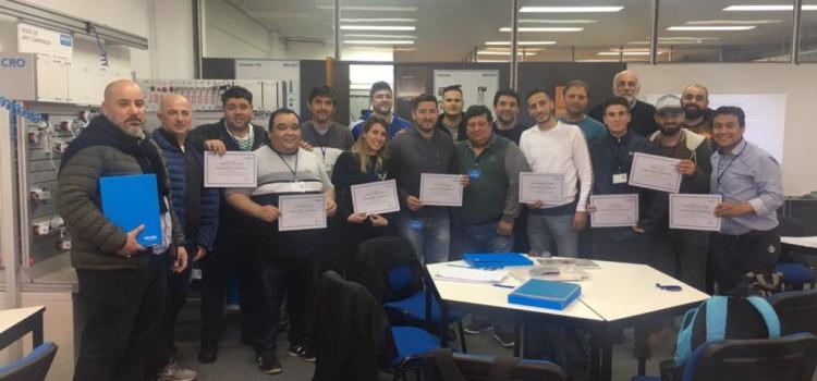 SICONARA: Culminó el curso de neumática en Micro Automatización